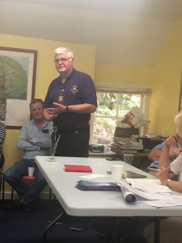 Guild Master, Mike Winterbourne speaks to the meeting.